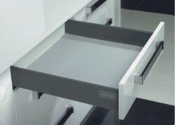Výsuvný box ELEGANCE 400-Výsuvný box WIRELI Elegance, nový moderní design v podobě hranatých bočnic, špičková kvalita pojezdů.
