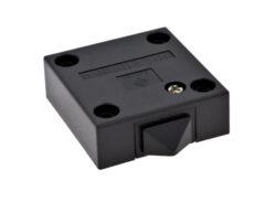 Vypínač mechanický 250V/max2(1)A, 47,5x49,5x17mm, černý-Spínač pro osvětlení vnitřního  prostoru skříně při otevření dveří