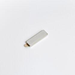 Magnetický úchyt, 6x20x2mm, 5 párů, set-Magnetický úchyt pro upevnění profilů ke kovovým materiálům (např. regálům).